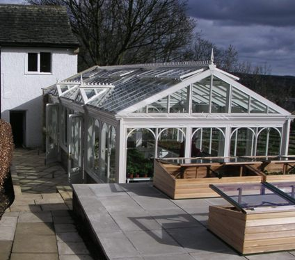 A new greenhouse and hothouse on green belt land